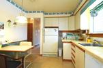 68 Jeffcoat Living Kitchen 02